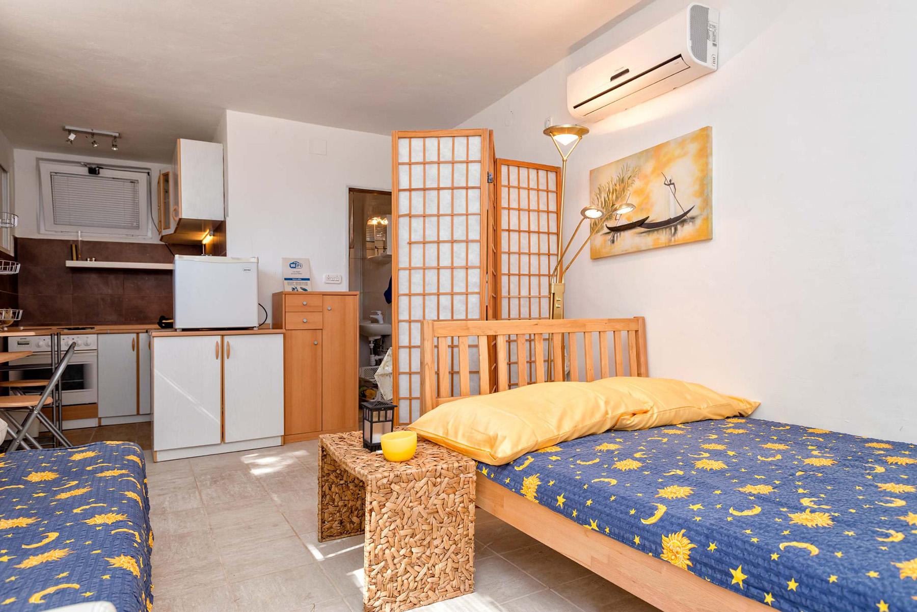 small-apartment-slider2