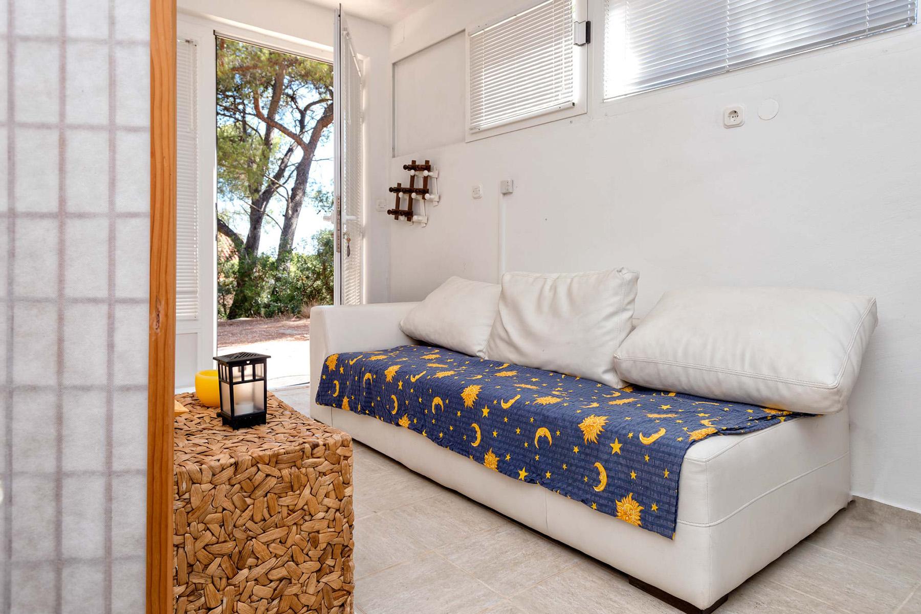 small-apartment-slider3
